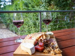 Daylesford Holiday Park Cabin Accommodation Platter 3 uai