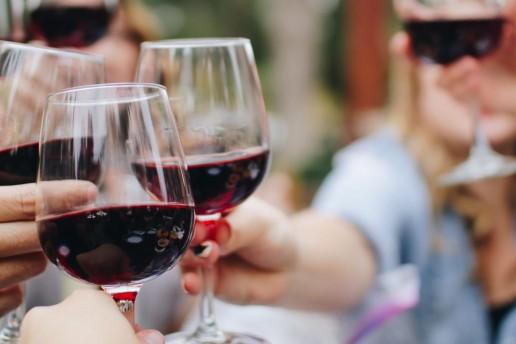 Wine 1600x800 1 uai