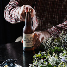 Opening a bottle of Daylesford Brewing Co uai